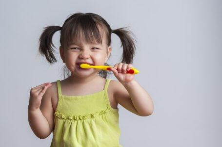 https://blog.nabadental.com/wp-content/uploads/2017/01/How-to-Find-Best-Pediatric-Dentist-in-Houston-455x303.jpg
